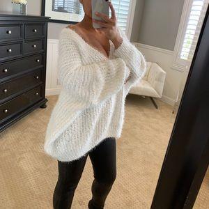 POL Fuzzy Sweater-White